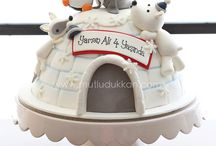 ice snow winter themed cakes