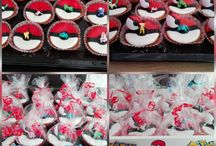 Pokémon / Pokémon cupcakes met Pokémon figuren en Pokémon bal.