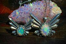 jewels / by Javiera Soto