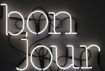 Lettere neon parete