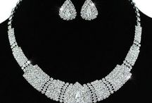 Stunning Silver Necklace Sets / Beautifully crafted necklace sets that are suitable and perfect for many occasions. Look to complete your bridal outfit or looking to wear for that night out. These are perfect for you.