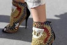 Shoes / by Lobelola