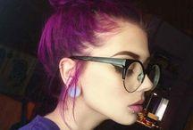 Μωβ μαλλιά