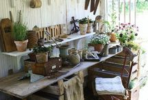 Potting Benches / by Ruth Askea