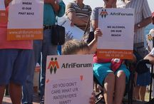 #wimpystay / Hundreds of Scottburgh residents and holiday makers joined AfriForum on Saturday morning, 5 July 2014 in front of the Scottburgh Beachfront Pavilion to show their dissatisfaction with the decision of Umdoni Municipality to proceed with the eviction of the Wimpy on the Scottburgh Beachfront.