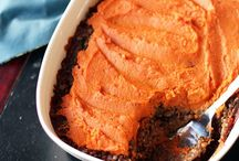 food: casseroles & bakes / by Amie Gill