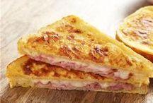 Πίτσα με ψωμί του τοστ στον φουρνο