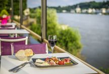 Dinner with a view / Enjoy the wonderful view from your hotel restaurant and feel welcome at AccorHotels!