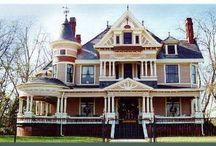 Classic Dream Homes / by Mary Keirouz