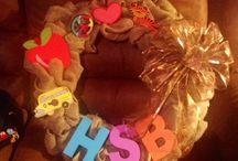 Burlap Wreaths / Homemade beginner wreaths