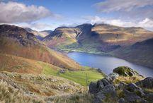 Lake District / Het Lake District is een paradijs voor wandelaars maar je kunt er ook heerlijk rondtoeren met de auto (spectaculair: de Hardknott Pass met een hellingspercentage van 30%!) Klik door op de foto's en je komt terecht op het DFDS blog, waar we je nog veel meer vertellen over deze populaire regio.