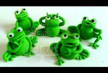 Frogs in fondant