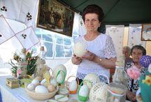 Civil expo Füzesabony gravírozott strucc tojások. Készítette: Bocsi Jánosné kézműves