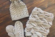 Шапки шарфы, варежки