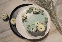 Brooklyn Floral Delight / Edible Flower decoration with butter cream,  Special color mix