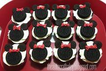 molly's Minnie Mouse Party / by Jan Kiepura