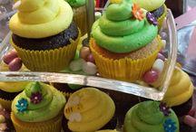 Cupcakes / We make delicious cupcakes.