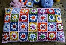 Crochet: cushions & pillows / by Ana Evamarc