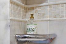 Bathroom / by Lois Tracy