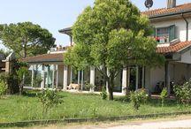 Verande, chiusure balcone / Chiusura verande, balconi, terrazze, porticati, con infissi in alluminio.