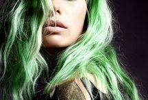 green hair / portraits of women with green hair