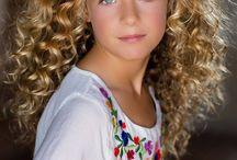 Photo - possing (Little Girl)