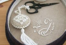BRODERIE TRADITIONNELLE, TRADITIONAL EMBROIDERY, STICKEREI...