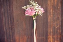 Wedding Bouquets & Floral / Norrisphoto captures colorful floral arrangements, bold boutonnieres, and stunning wedding bouquets.