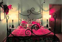 Bedrooms / by Debbie Davenport