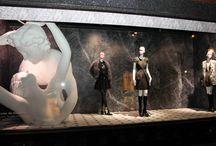 Galeries Lafayette / Les vitrines marbrées des GL, boulevard Haussmann à Paris