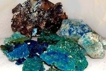 SILVER AND COPPER / Metallic silver is formed and used in conjunction with gold, with white color and original copper which is a product of a general change of copper sulphide ore or greenish blue colored.