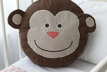 Monkey cushion, the beginning. / I've been asked by a friend to make a monkey cushion.  So here goes