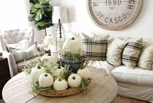 Autumn / Decorating ideas for Autumn/Fall.  DIY projects, crafts, mantels, leaves and more.