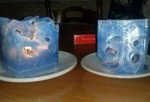 candele con ghiaccio di Angela D'Alia / candele realizzate con brik di latte dentro i quali vengono messi cubetti di ghiaccio, e poi si cola la cera sciolta.