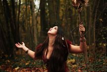Autumn forest gypsy / horse in autumn forest gypsy bohemian photoshoot inspiration