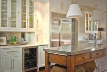 kitchens to love / by Cindy Messinger