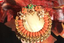 Warm Colors of Autumn / Gathering all the warm and welcoming colors of fall. Vintage jewelry, Home Decor, Accessories and more
