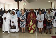 Levée de corps de Mama Diomandé épouse Koné / La Première Dame, Mme Dominique Ouattara a présenté, le mardi 22 Juillet 2014, ses condoléances aux familles Koné, Diomandé et Dosso suite au décès, le vendredi 18 Juillet dernier de Hadja Mama Diomandé, épouse Koné.