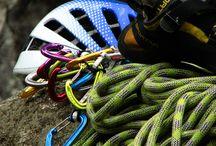 Sziklamászás / Sziklamászós fotók, ahol szabadon, kötéllel biztosítva mászik az ember...