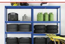BEZŠROUBOVÉ S DŘEVOTŘÍSKOU / Bezšroubové kovové regály s dřevotřískou dokáží splnit i ty nejnáročnější požadavky zákazníků a to díky své různorodosti. Zátěž regálu na jednu polici se pohybuje v rozpětí od 175 kg do 300 kg (závisí na konkrétním produktu a komponentu). Regály je možné využít např. ve skladech, sklepích, obchodech, domácnostech apod. Má velmi jednoduchou montáž bez šroubování, kterou zvládnete bez nejmenších problémů za pár minut. Jednotlivé komponenty se do sebe snadno zasouvají.