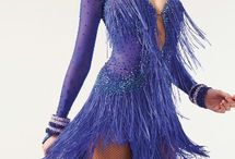 Tanec a kostymy