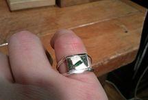 ... pánský prsten se smaragdem ...