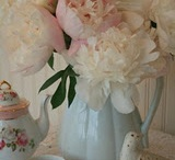 Flowers For My Garden... Structures, Planting Tips and Secrets I Should Know / SISTERS ANTIQUES
