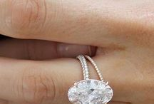 Pretty rings and things / by Sara Velez