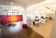Orco Property Group - Az Év Irodája 2013 jelölt / Az Orco Property Group budapesti mintairodáját a 2009-ben a Tiba Építész Stúdió tervei alapján felújított Párisi Nagyáruházban alakította ki, ahol június óta több mint 400 négyzetméteren dolgozik a 11 fős csapat.