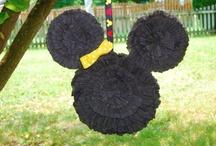 Birthdays - Mickey/Minnie / by Nidya de Hoyos