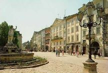 Old Town, Lviv / The picturesque old town of Lviv, Ukraine, and all its secret pockets.