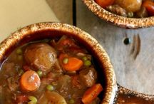 Soups,stews,chili,and chowder / by Kara Oberst
