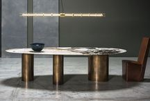 Dining Tables: Oval