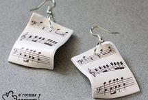 音符のアクセサリー